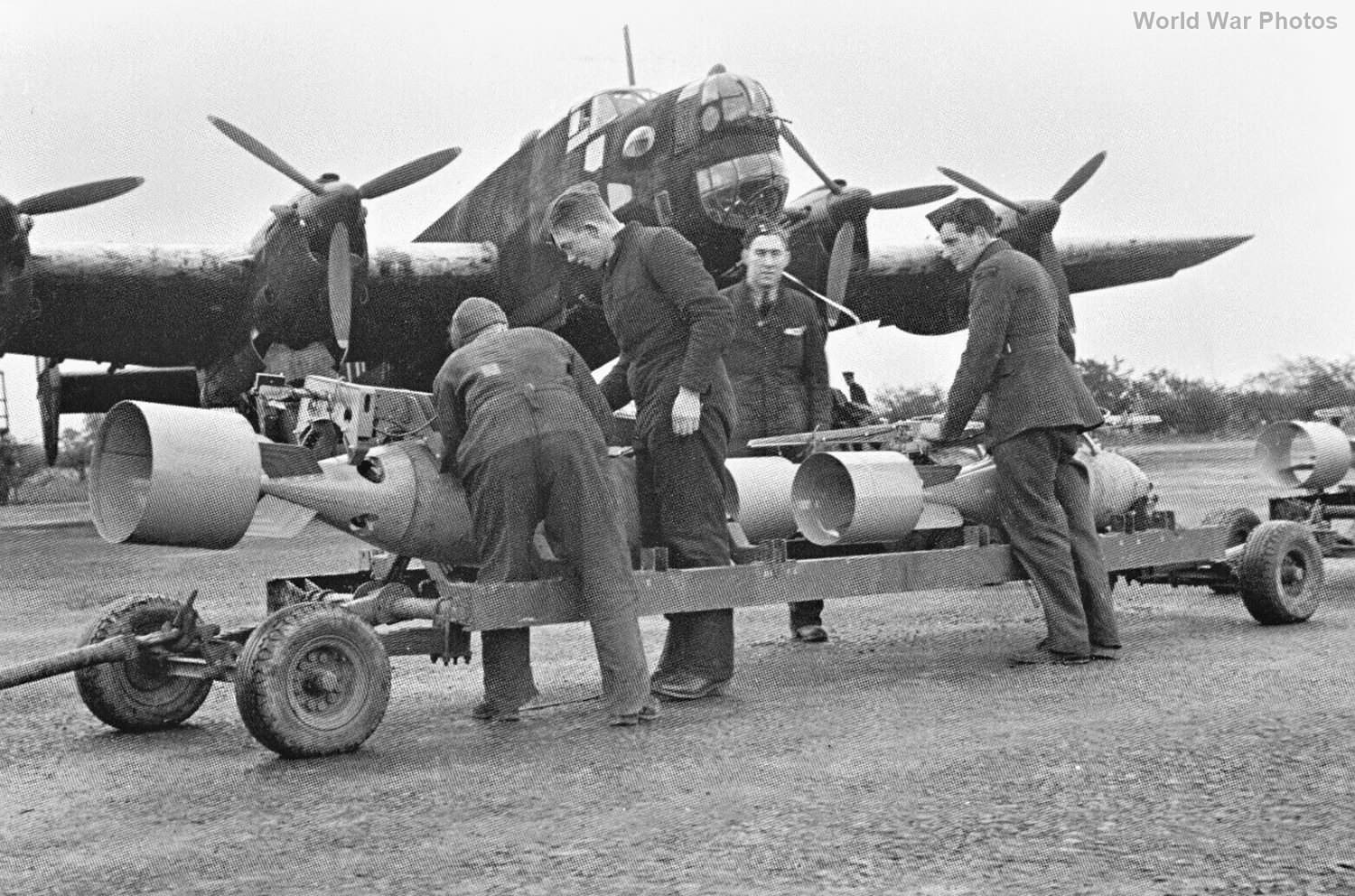 bombs being prepared for loading into a Halifax