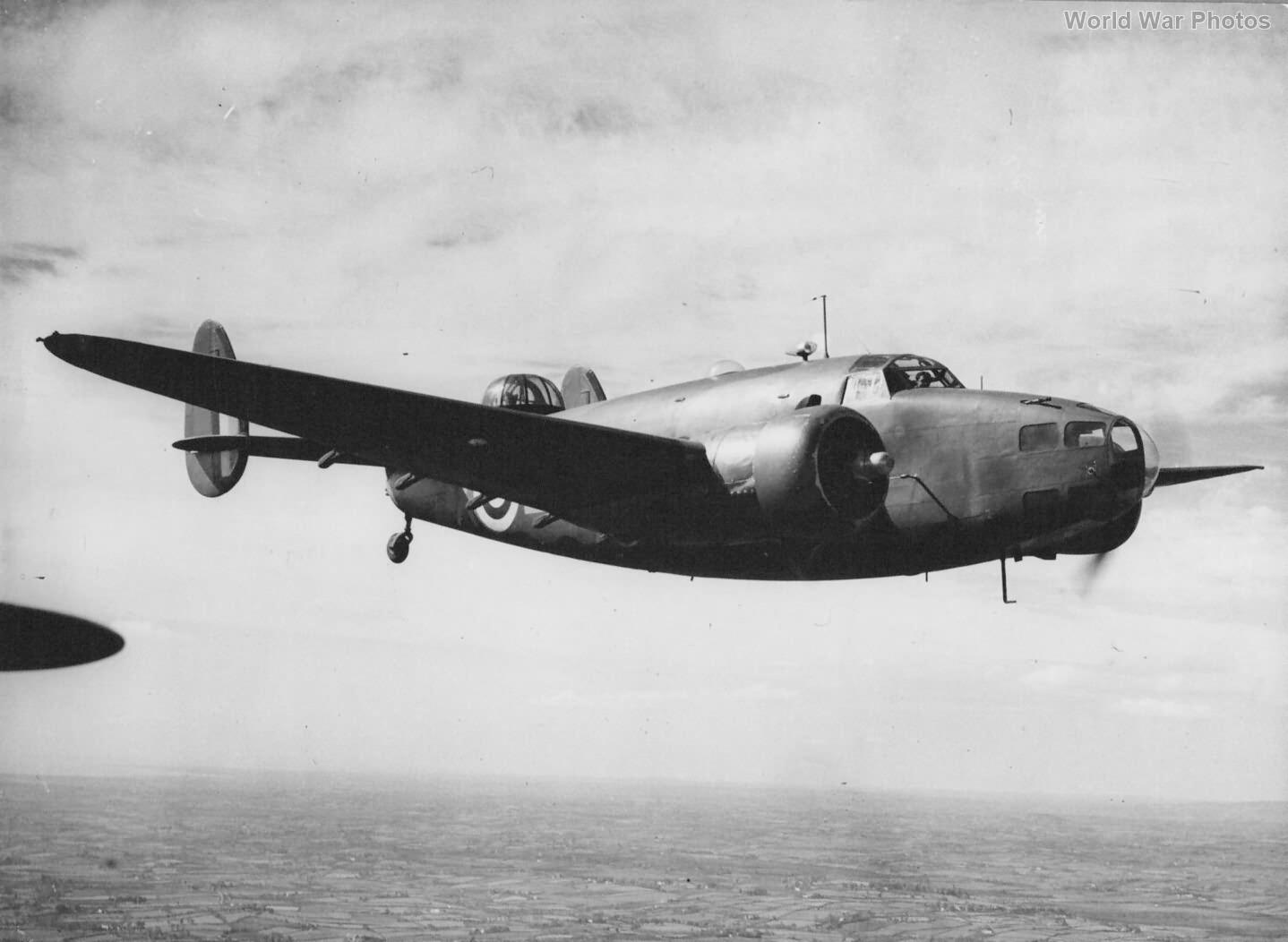 Hudson II T9376 in flight