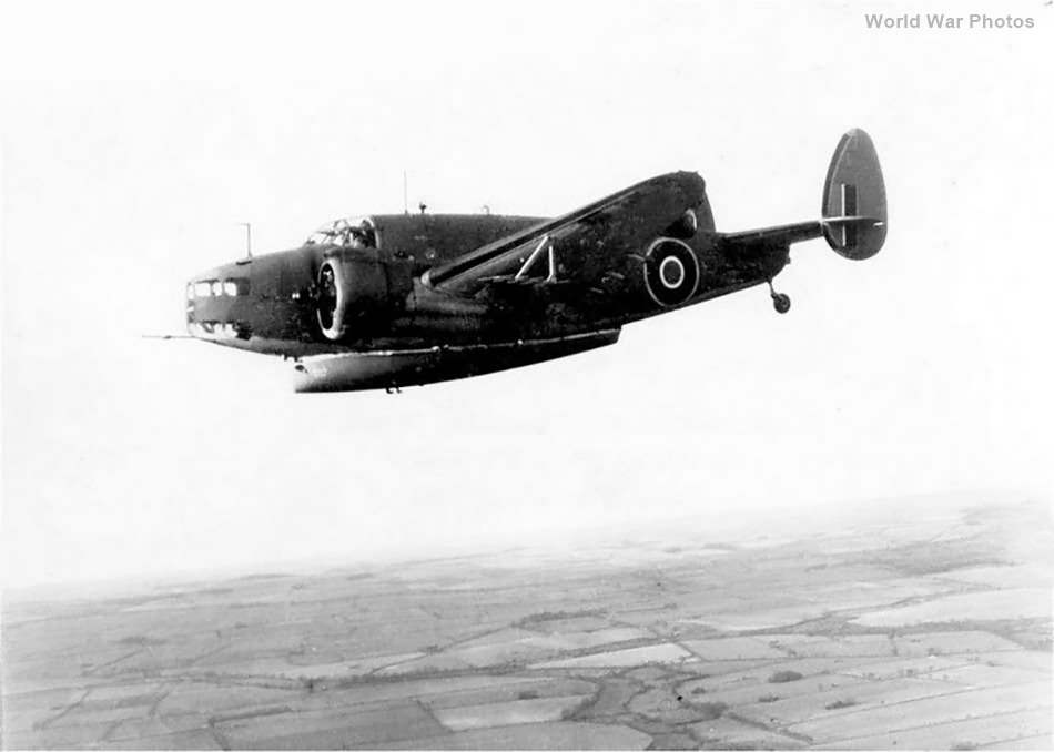 Hudson with lifeboat in flight