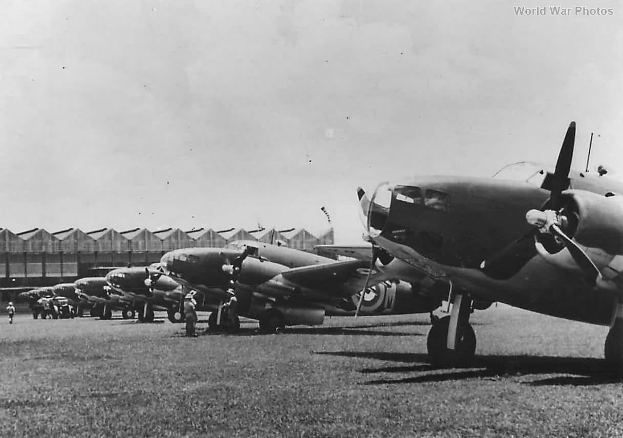 Hudsons RAAF 8 Squadron in Singapore