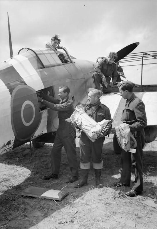 Mail_being_loaded_into_a_Hurricane_Mk_II