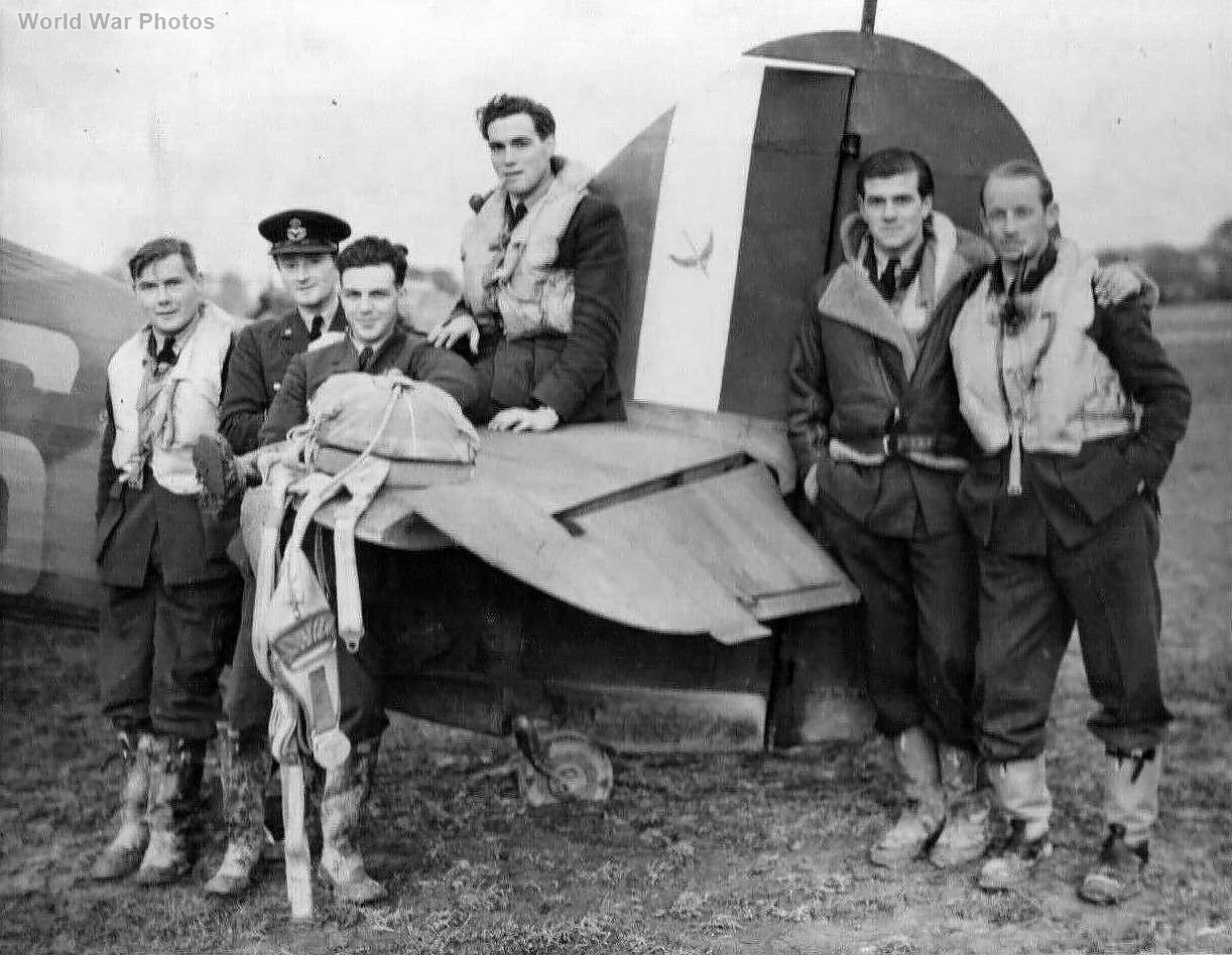 601 Sqn Pilots Hurricane nov40