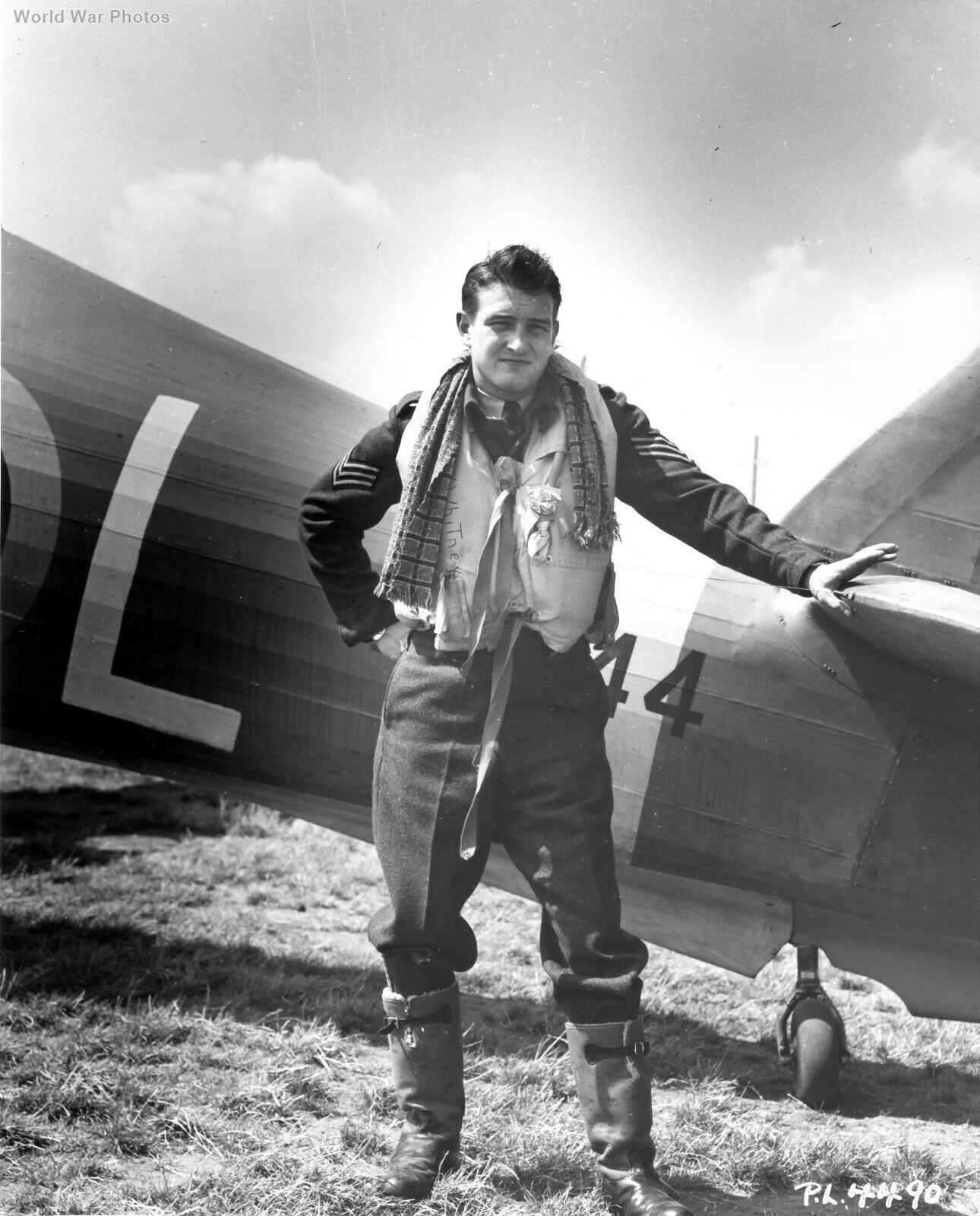 Hurricane IIb 401 Sqn YO-L Sgt G B Whitney