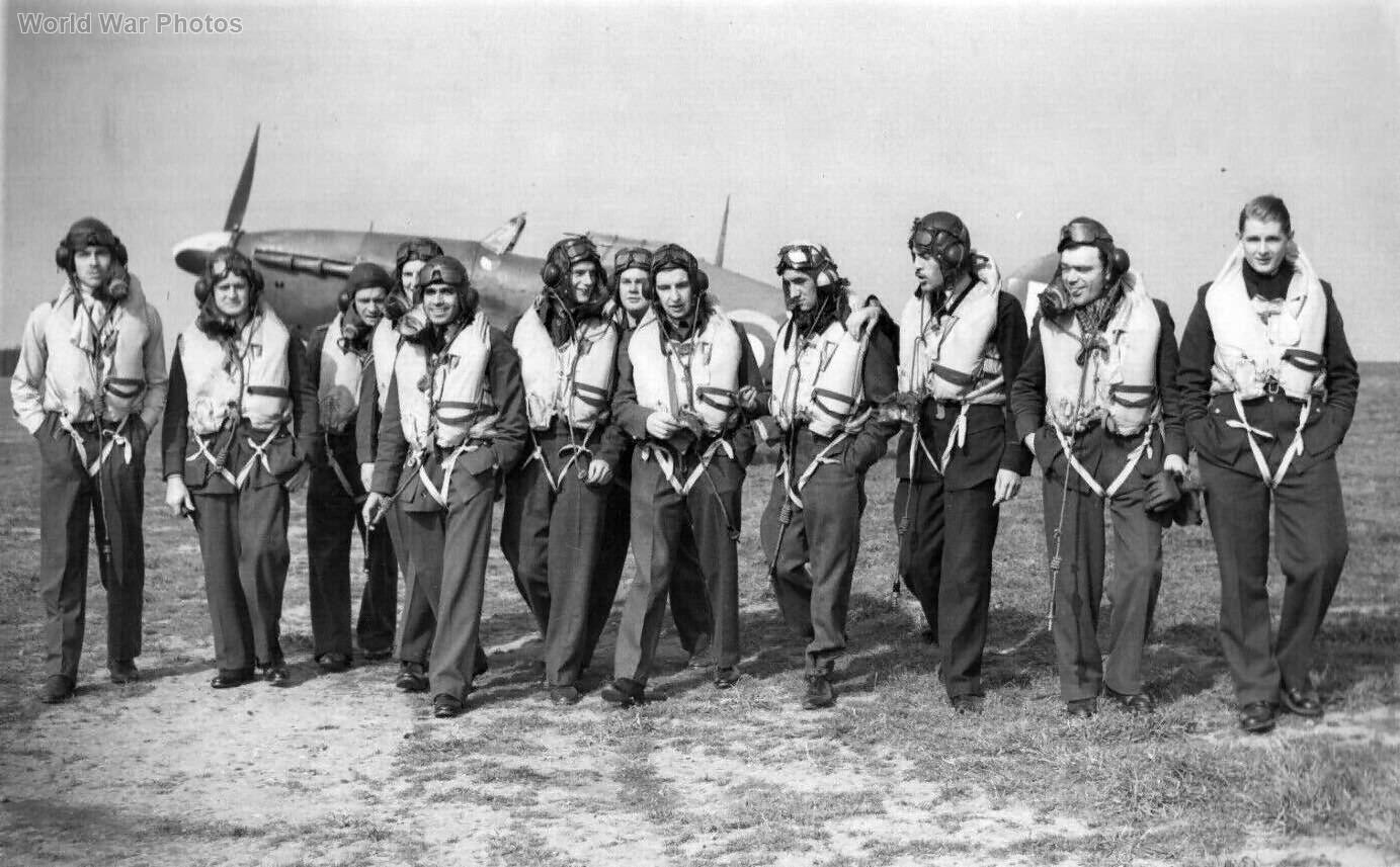 Hurricane pilots 1941