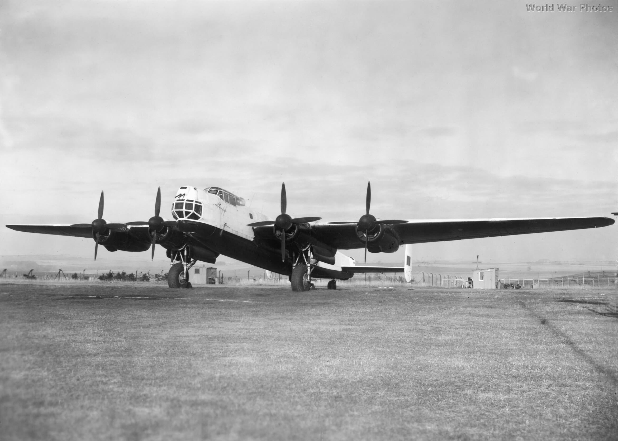 Avro Lincoln RF370 2