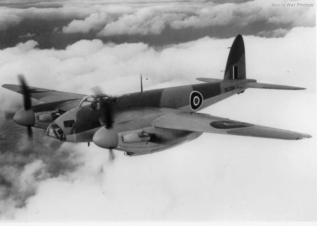Mosquito FBIV DK338 1943