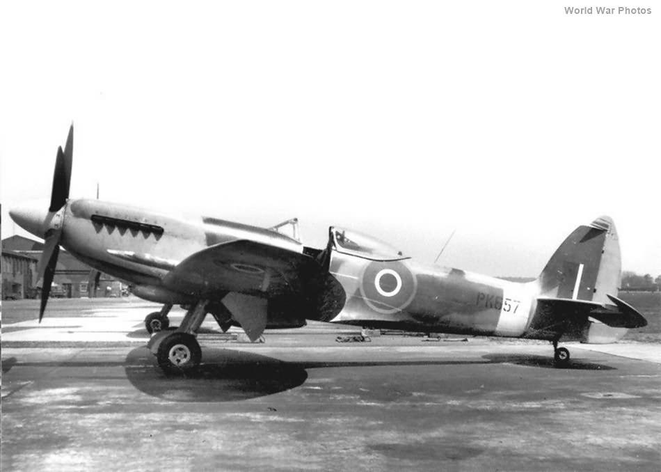 Spitfire F22 PK657