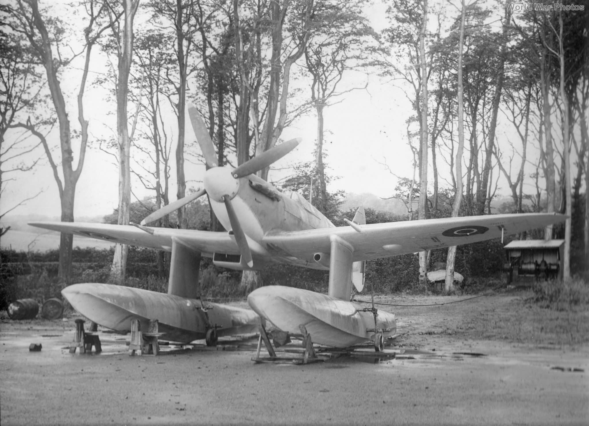 floatplane Spitfire Vb EP751 2