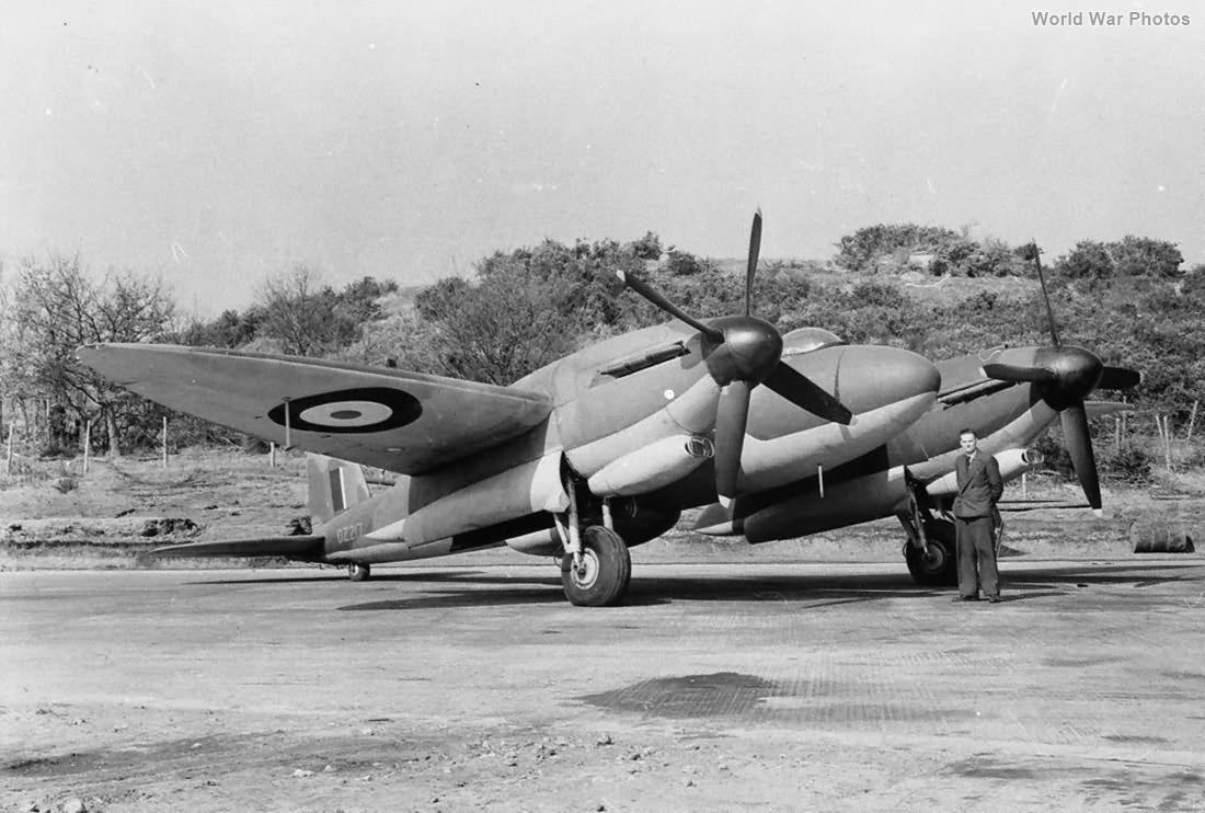 Vickers Type 432 DZ217