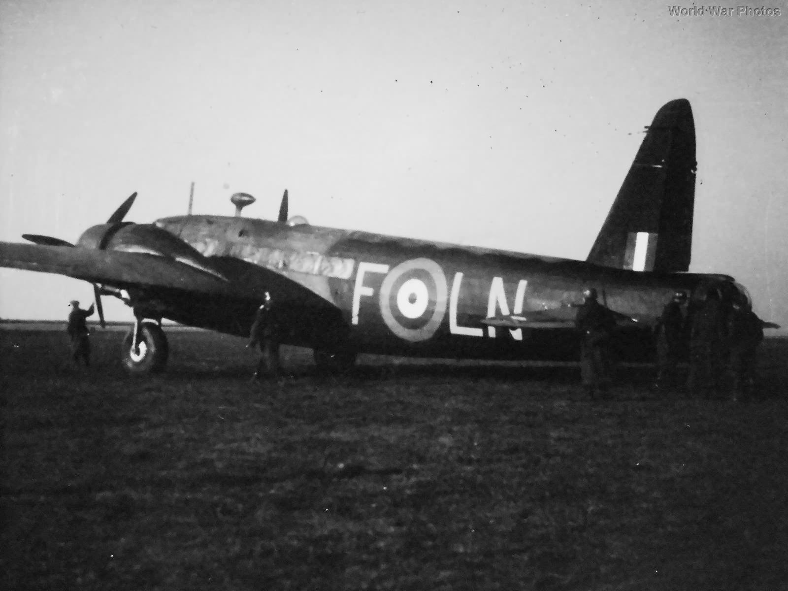 Vickers Wellington T2501 LN-F