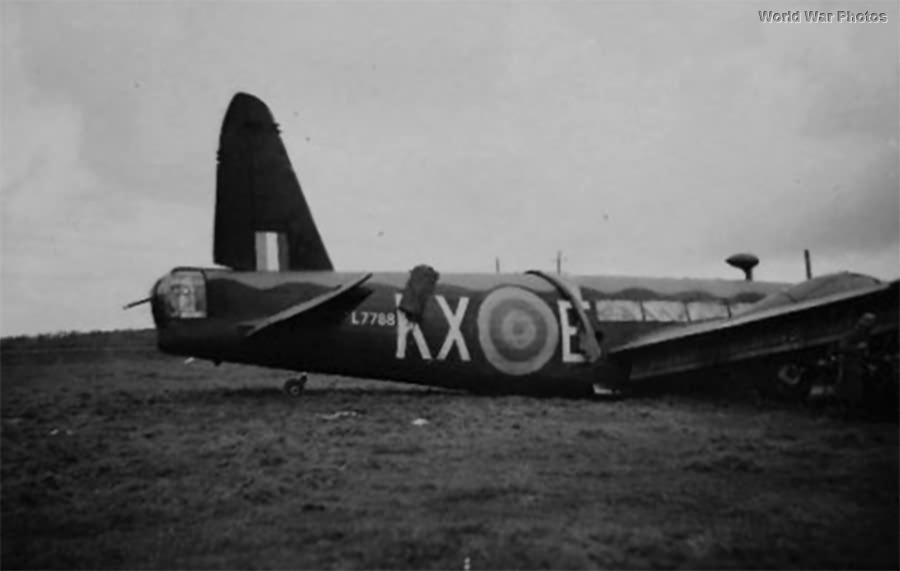 Czechoslovak Vickers Wellington KX-E L7788 4