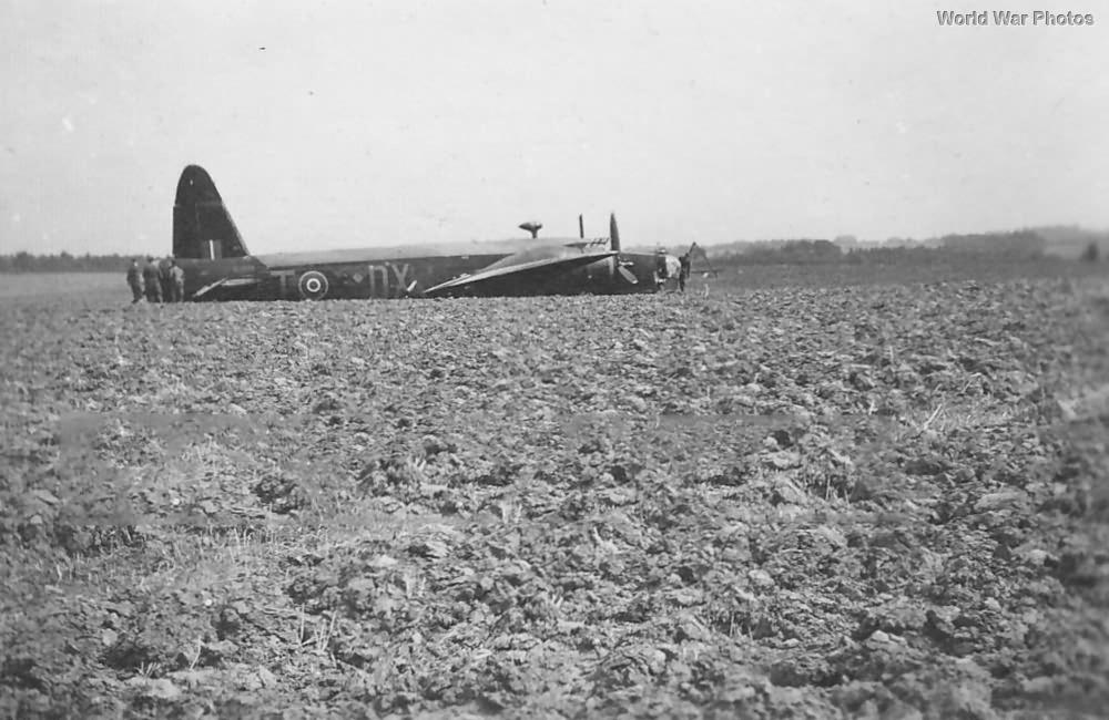 Crashed Wellington DX-T