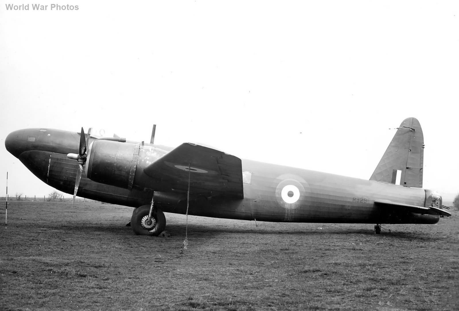 Vickers Wellington Mk V R3298