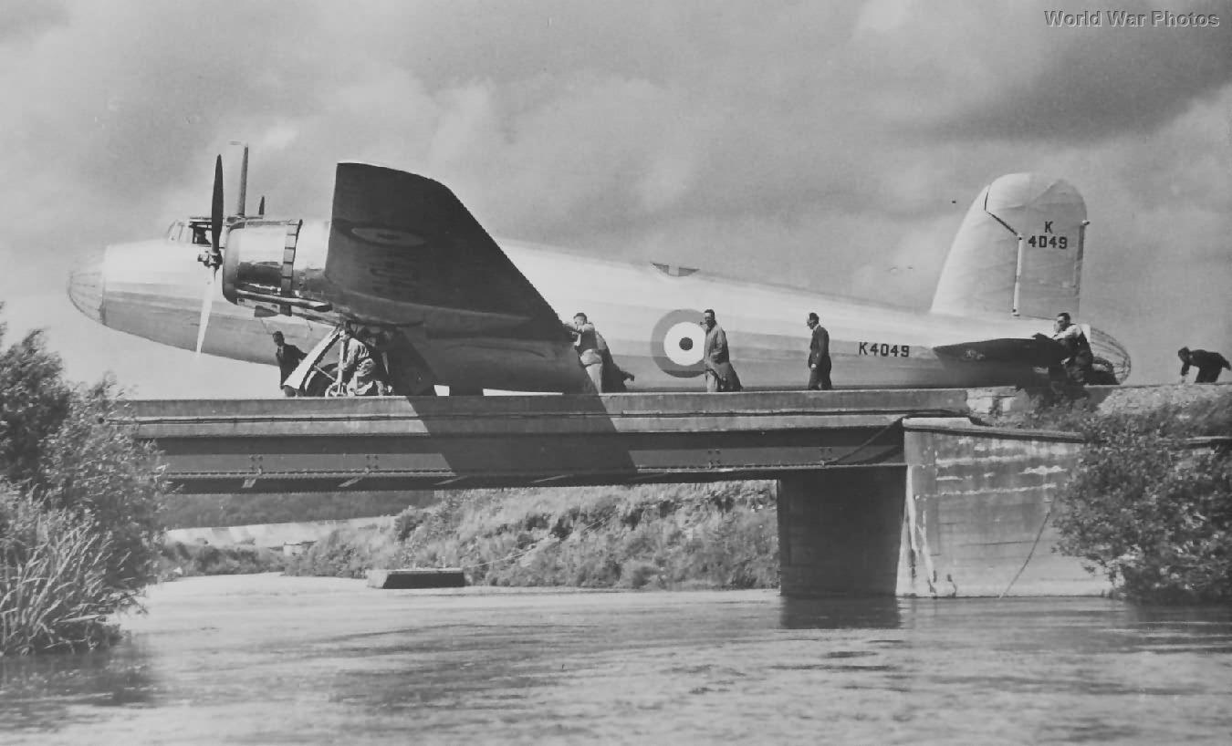 Vickers Wellington prototype K4049 1936
