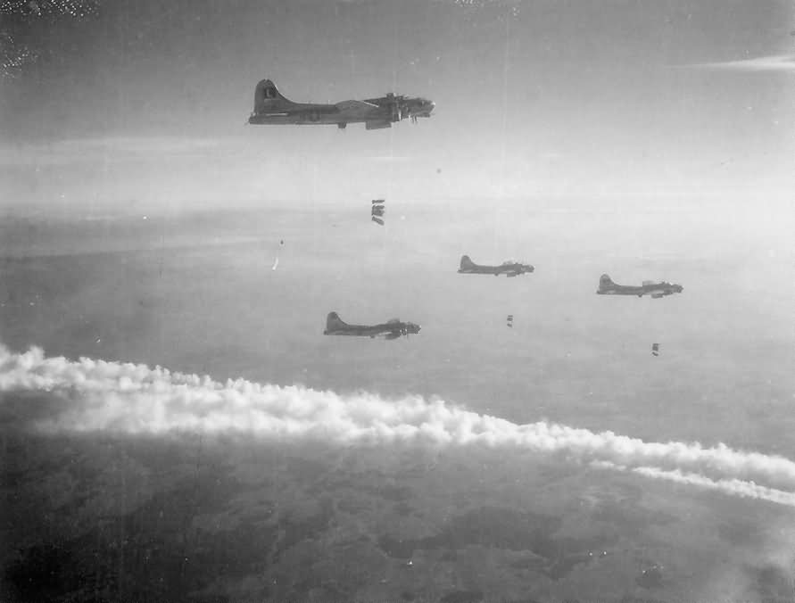 452nd Bomb Group B 17 Bombers Dropping Bombs On German Target