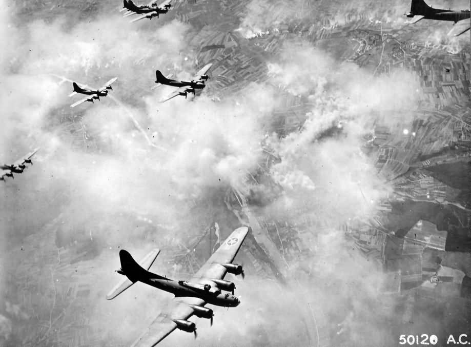 b 17 bombing over schweinfurt germany february 1944 world war photos. Black Bedroom Furniture Sets. Home Design Ideas