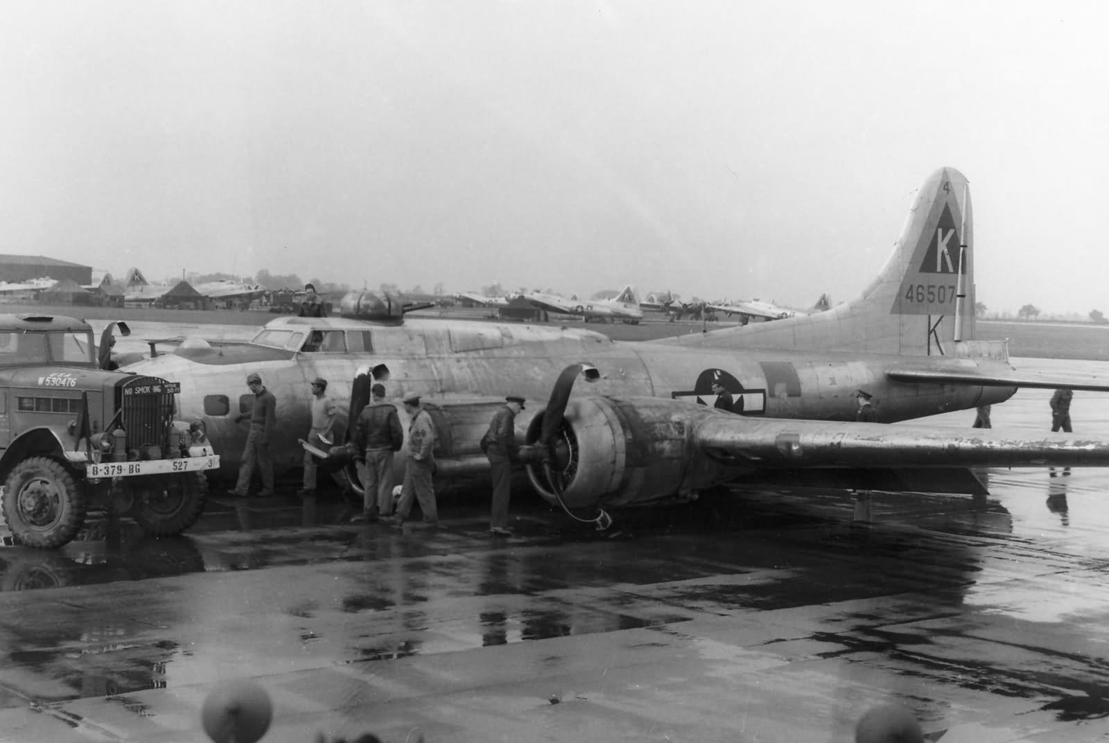 Damaged B-17G Fl    B17 Damage