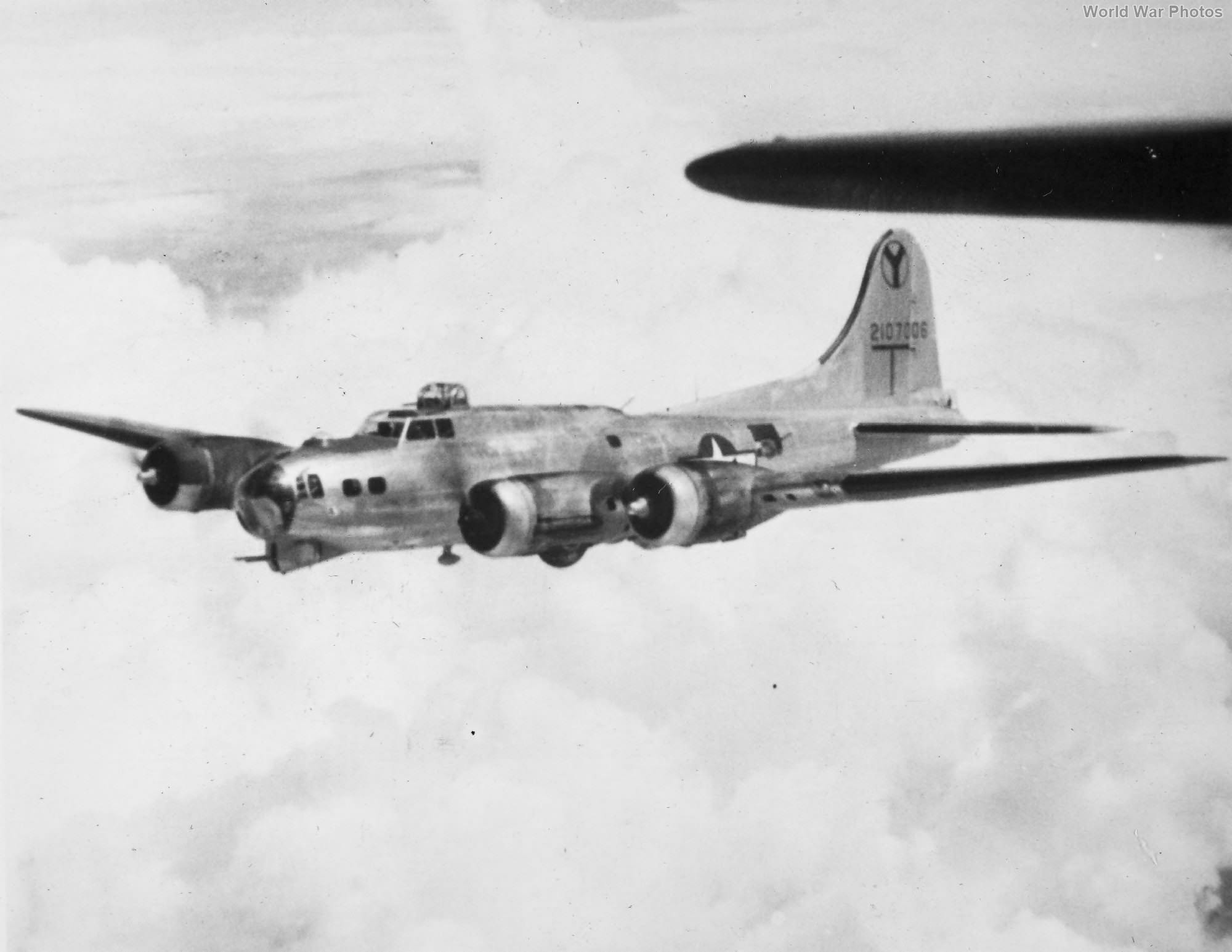 B-17 2nd BG 5