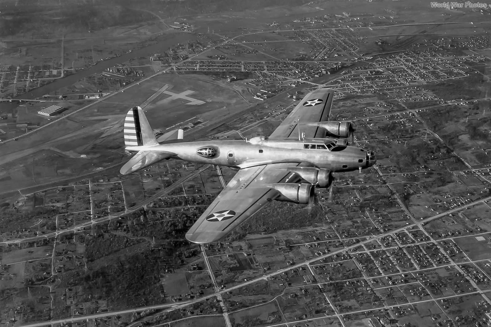 Y1B-17A 37-369 over Seattle oct38