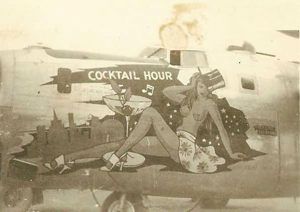 20 original images of the sexiest Nose Art of B24