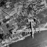 USAAF 8th AF B-24 Bomber Blasts Shulau Oil Refinery at Hamburg 1944