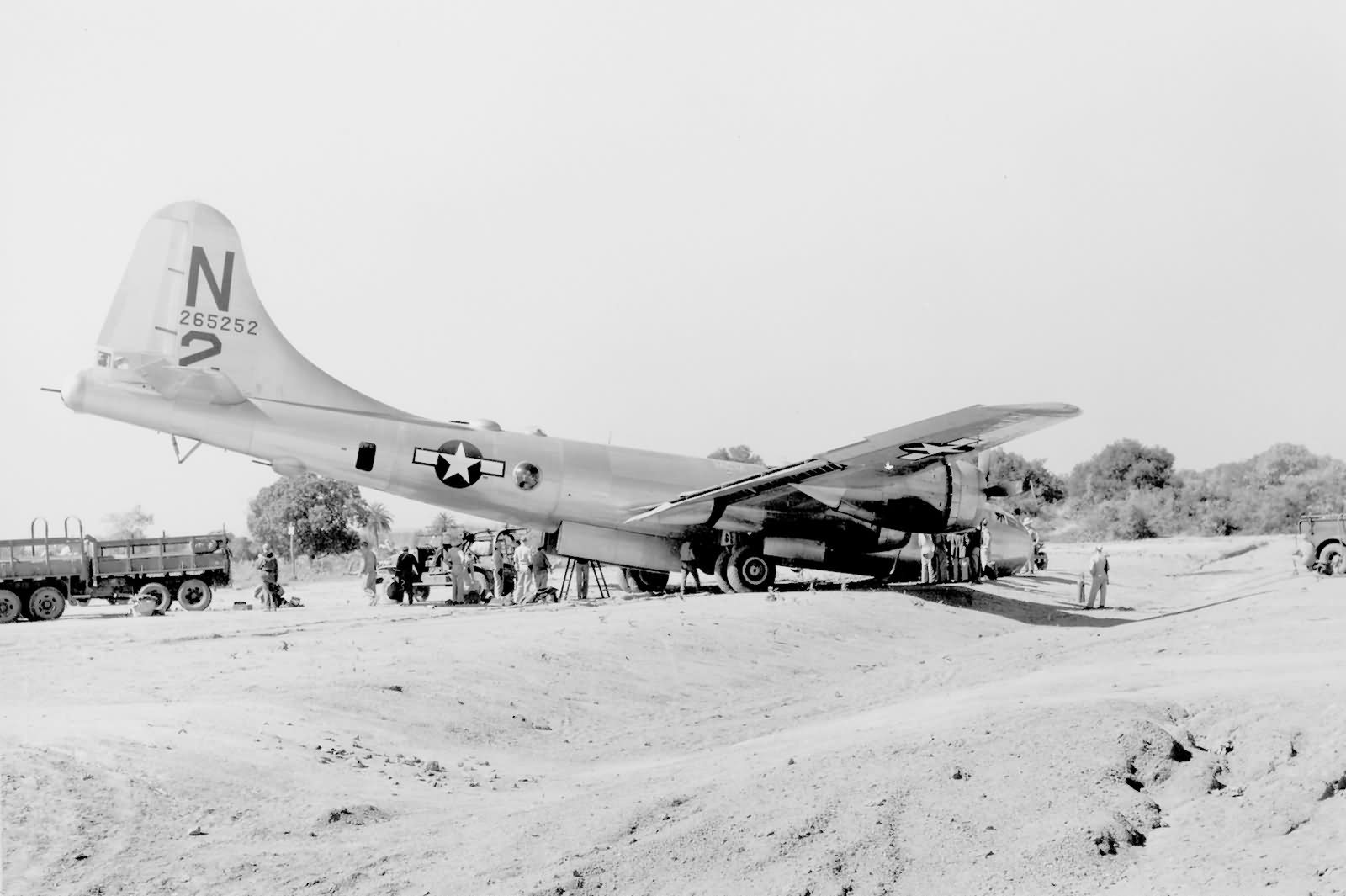 B-29 Superfortress in China January 1945 – 462nd Bomb Group 42-65252 N 2