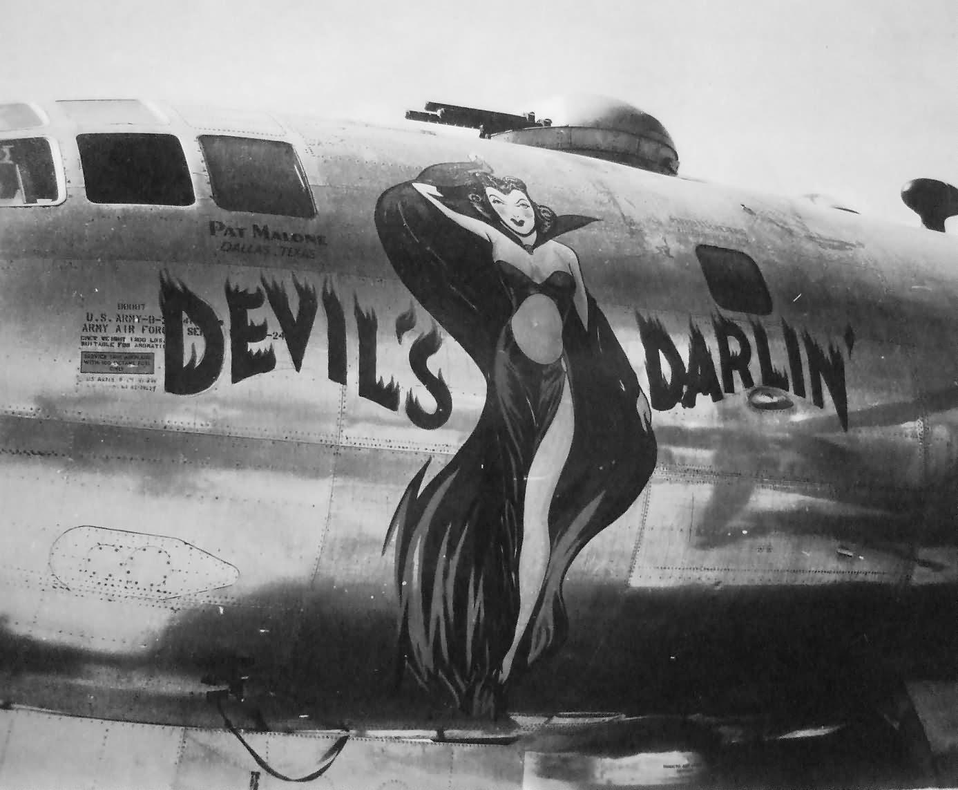 Boeing B-29-40-BW Superfortress DEVIL S DARLIN nose art Tinian 1945