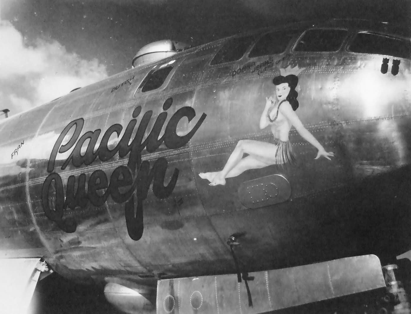 """B-29 Superfortress 42-63429 from 500th BG, 882nd BS – """"PACIFIC QUEEN"""" nose art Tinian 1945"""