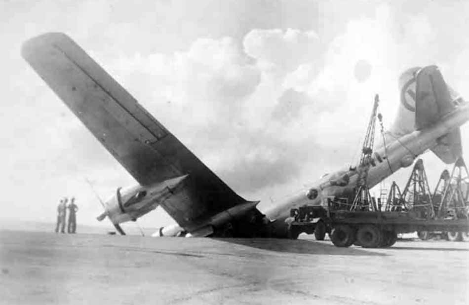 Boeing B-29 Superfortress crash landing