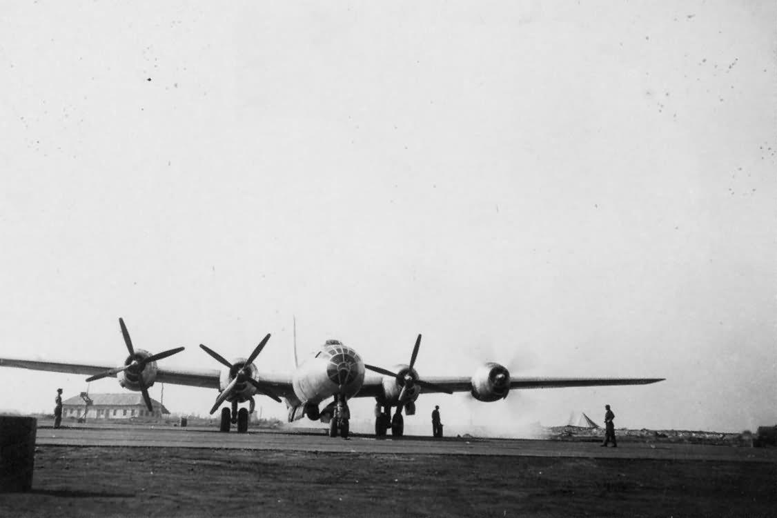 Boeing B-29 Superfortress front view