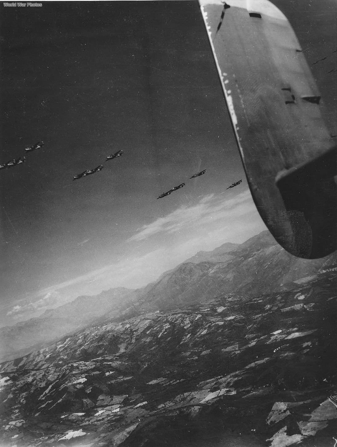 15th AF B-25 bombers over Pisa 1944