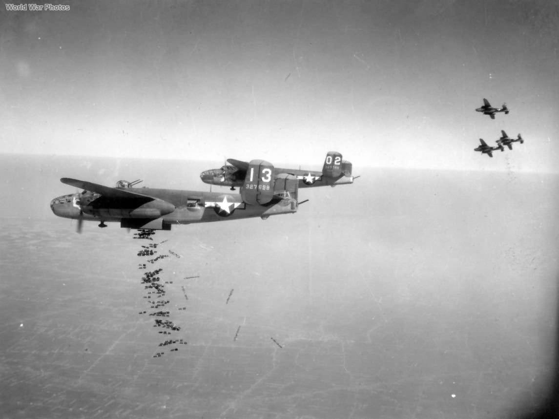B-25 321st BG dropping bombs