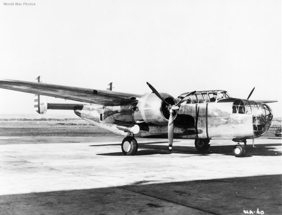 Prototype bomber North American NA-40 3