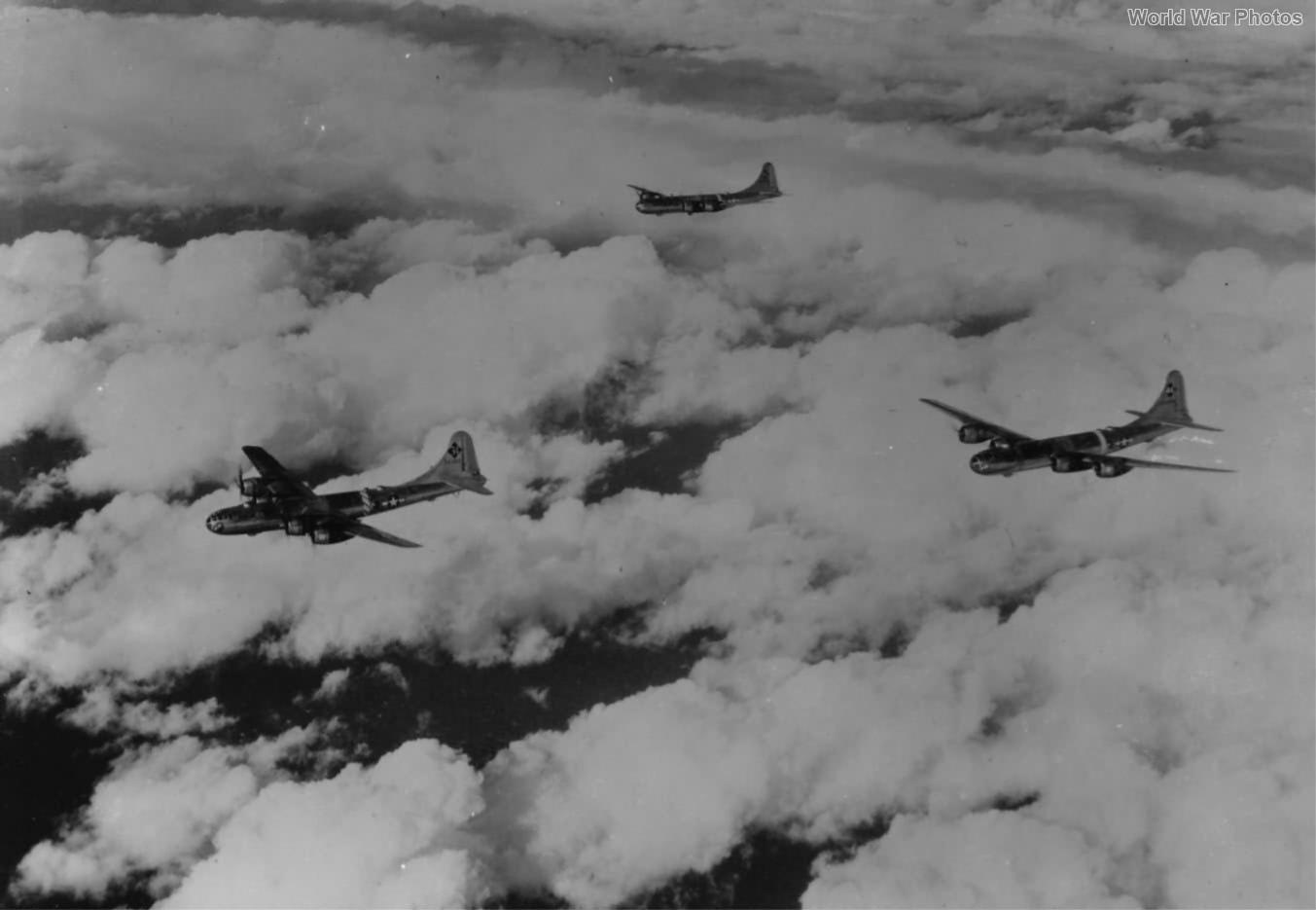 B-29 of the 444th BG over Hump 21 November 1944