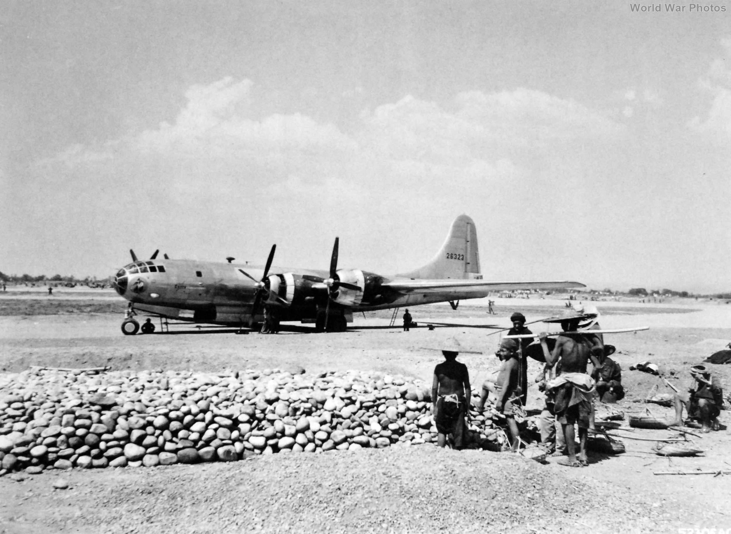 """B-29 42-6323 """"Eileen"""" China"""