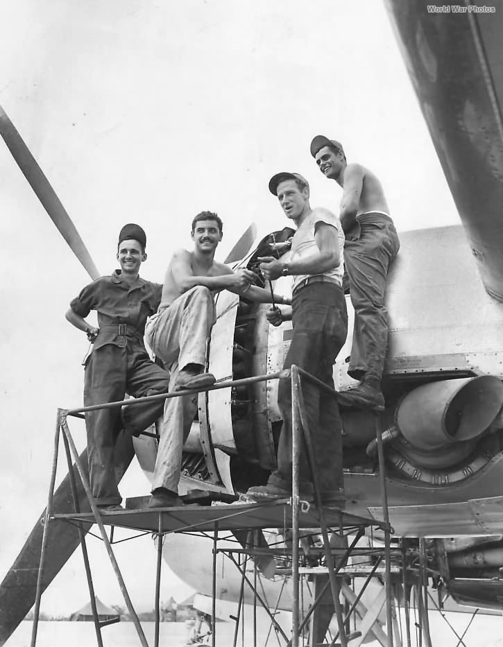 Crew working on B-29 21st BC at Marianas Base 1945
