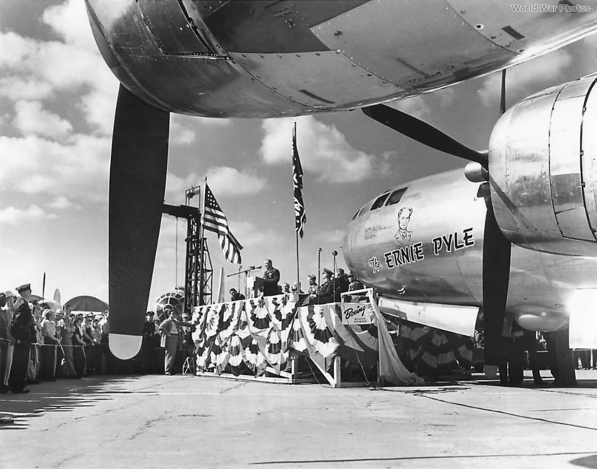 """Unveiling of B-29 Superfortress """"The Ernie Pyle"""""""