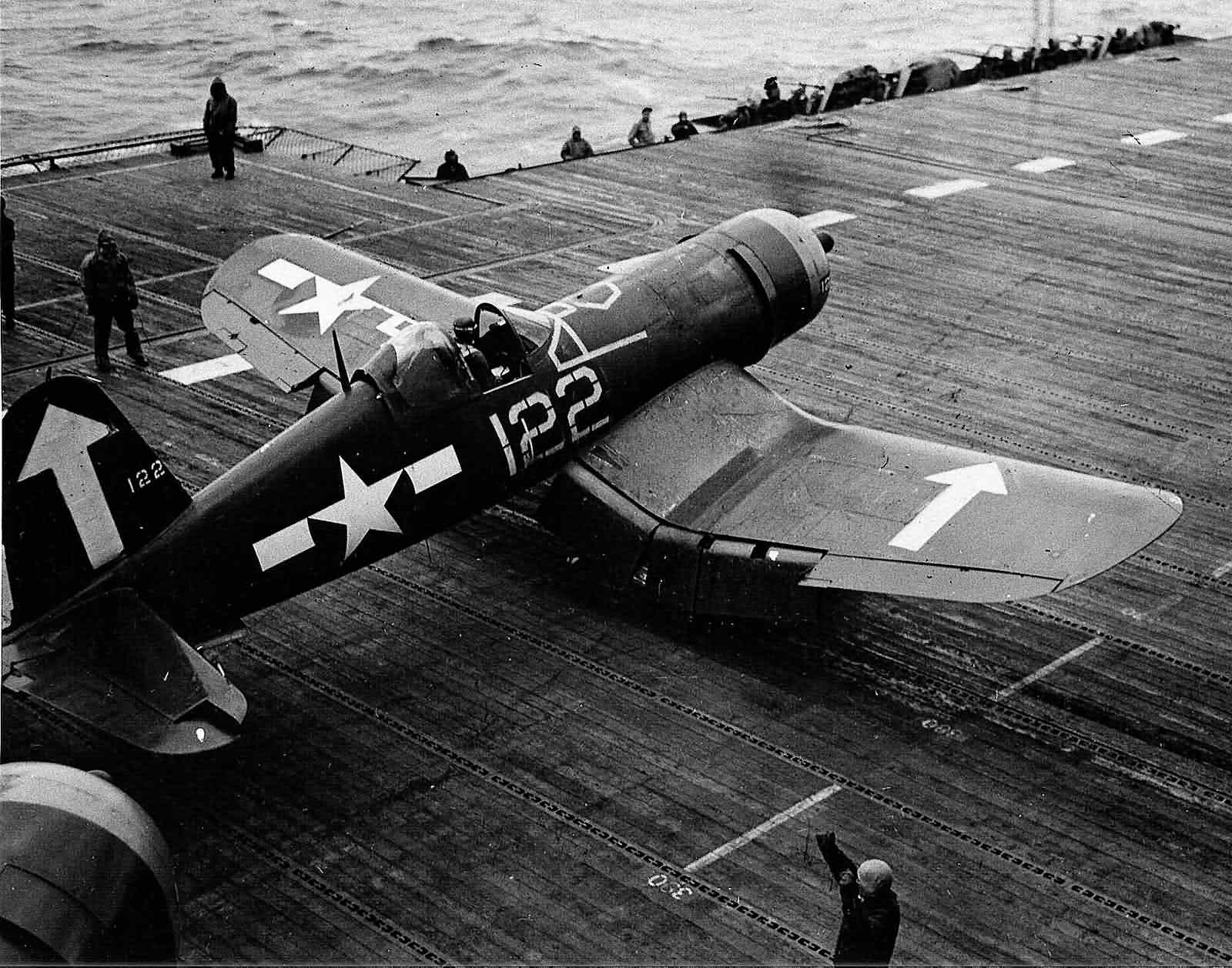 F4U-1D_Corsair_122_on_board_the_carrier_