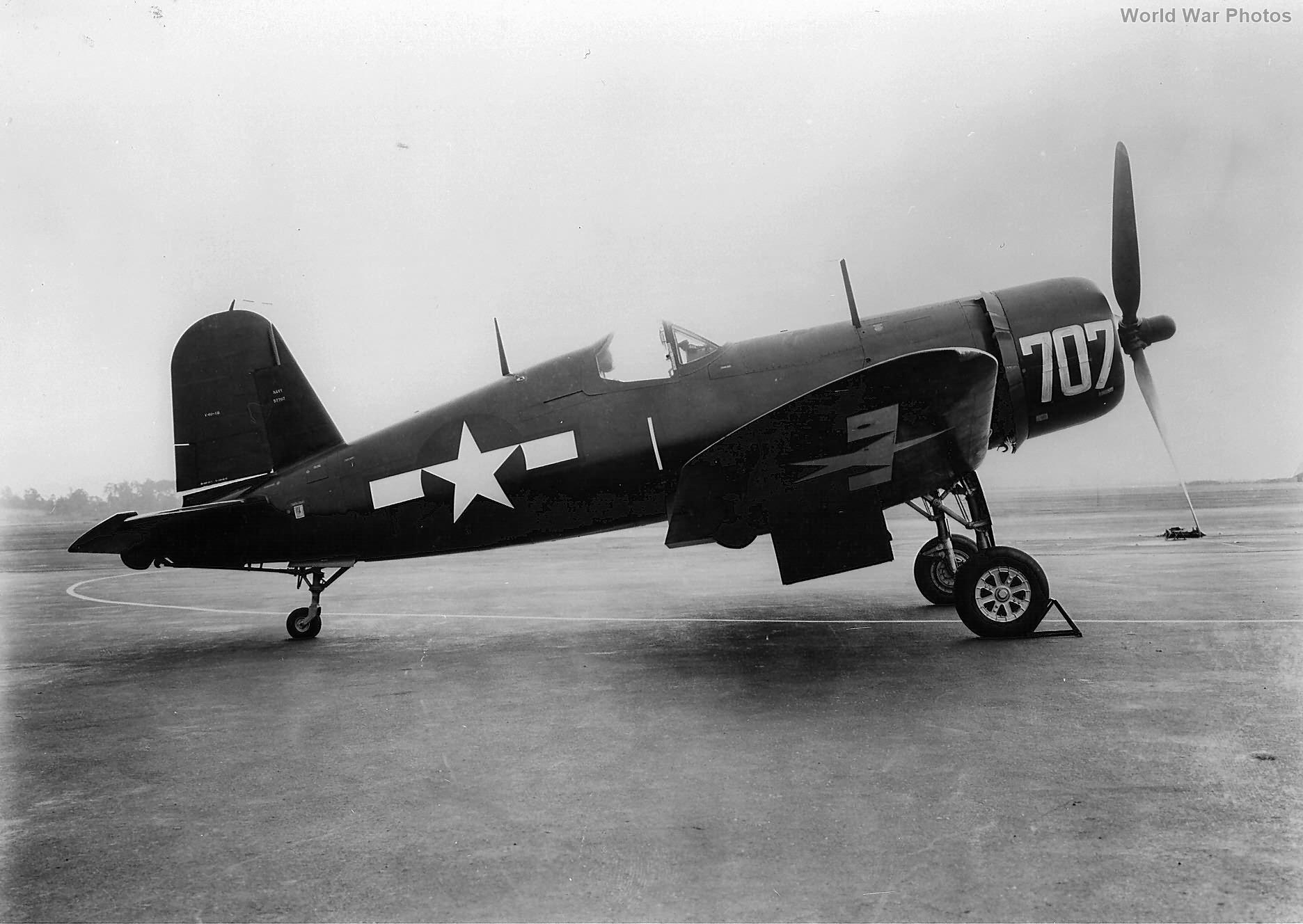 F4U-1D 707