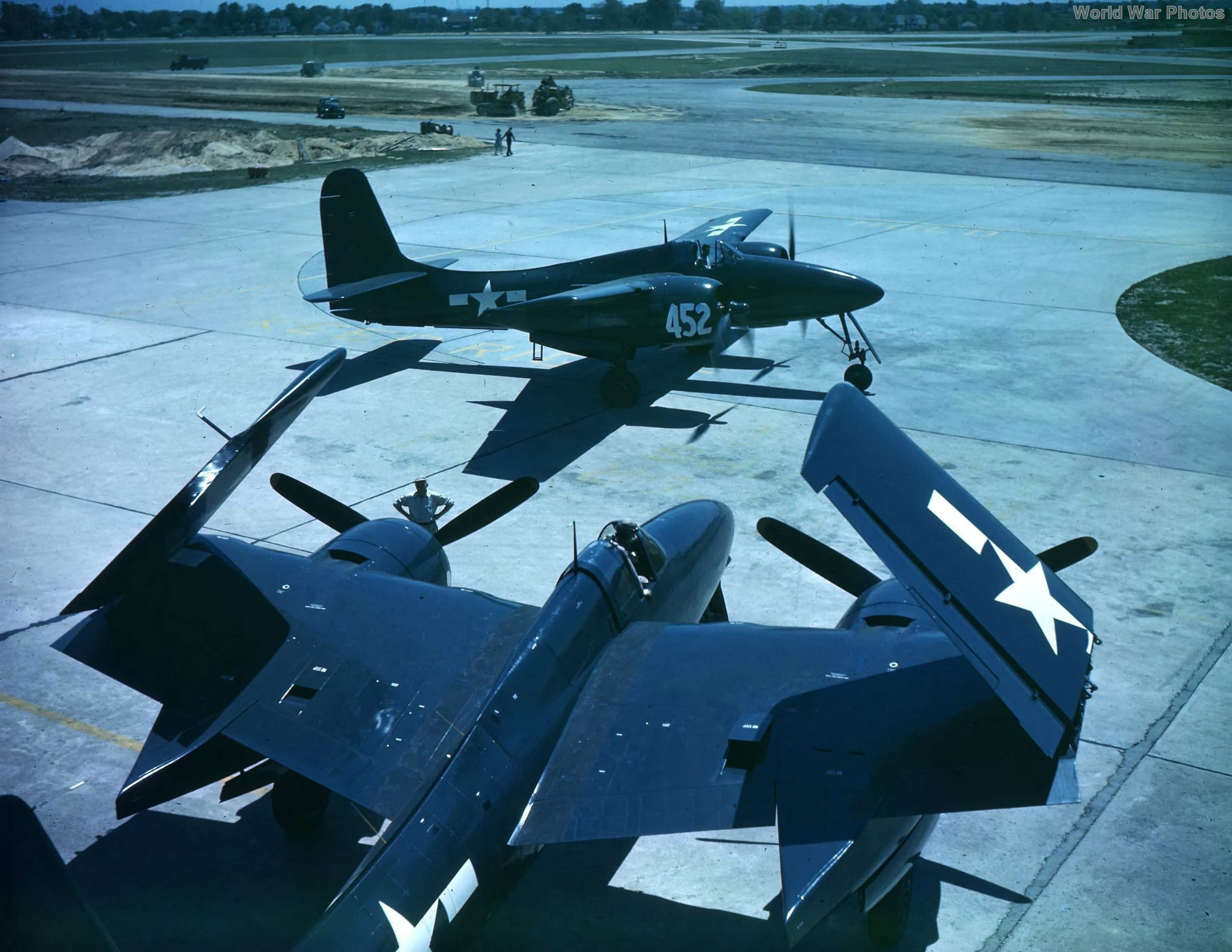 Overhead view of a F7F-3 80452