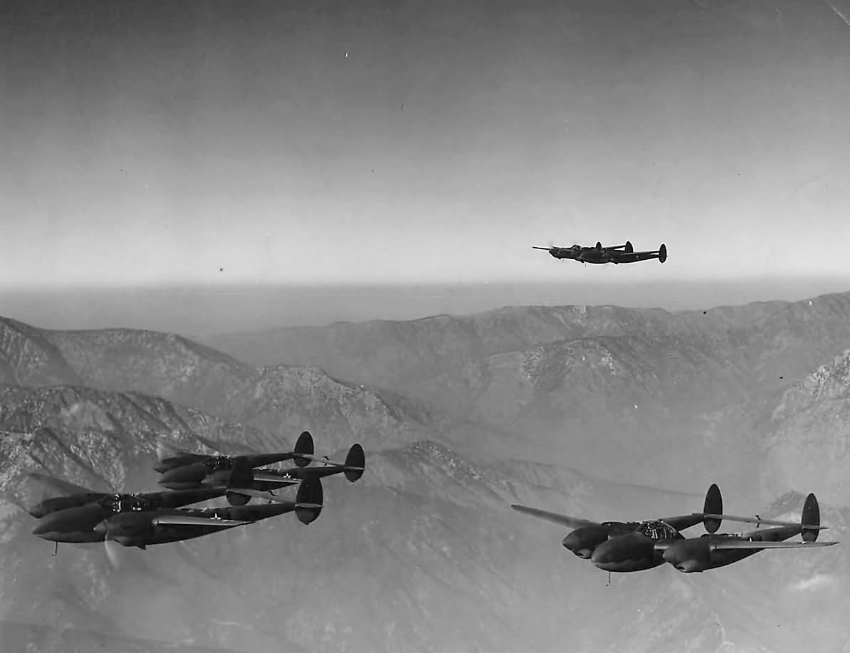 formation p-38