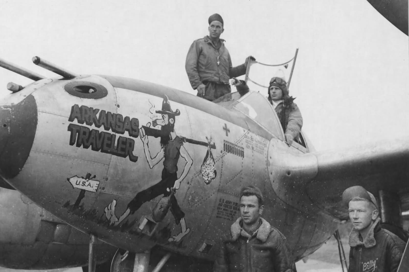 https://www.worldwarphotos.info/wp-content/gallery/usa/aircrafts/p-38-lightning/P-38J_Lightning_Lt_Fincher_367th_FG_Arkansas_Traveler_Nose_Art.jpg