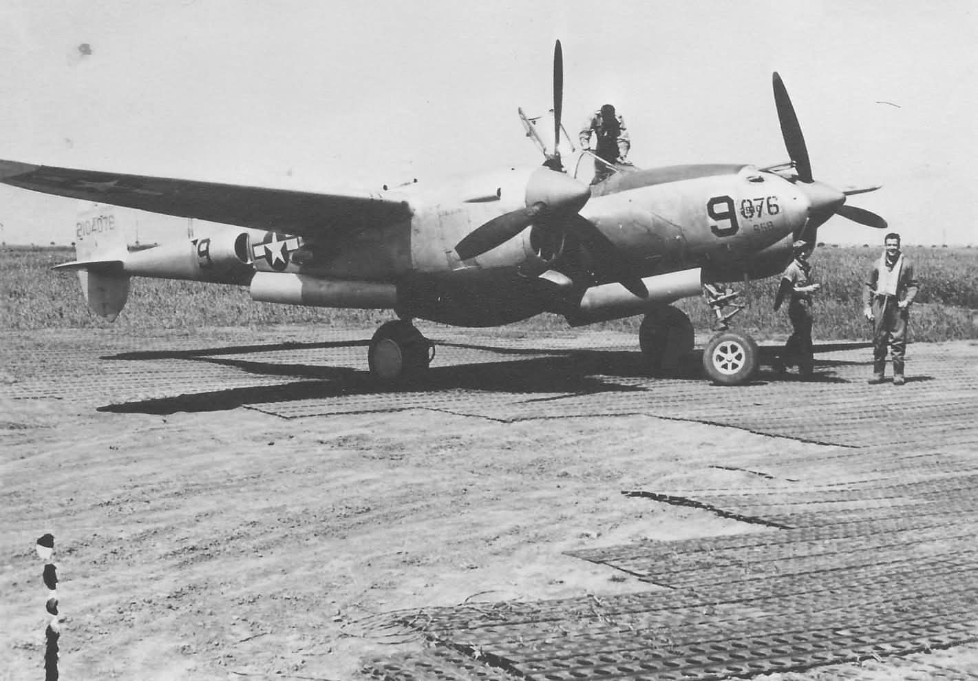 P-38 1944 Italy 42-104076 14th FG 48th FS