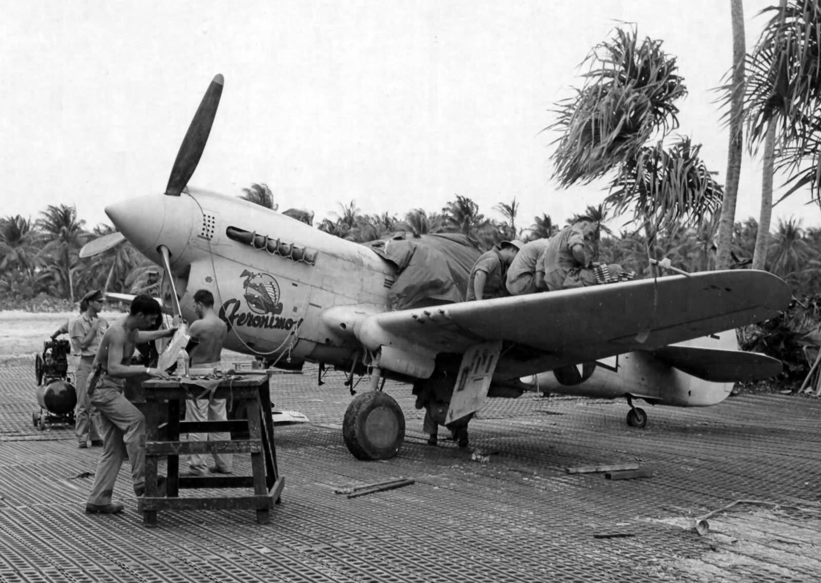 P-40N_Warhawk_15th_FG_on_Mankin_Island_i