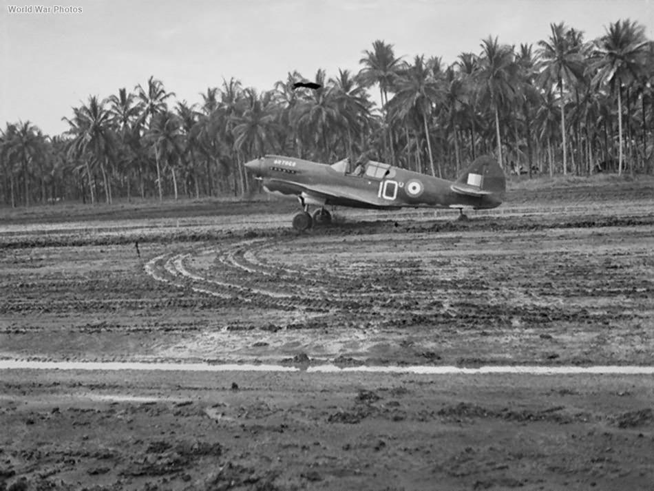 Kittyhawk IA of No, 75 Squadron RAAF at Milne Bay September 1942 2