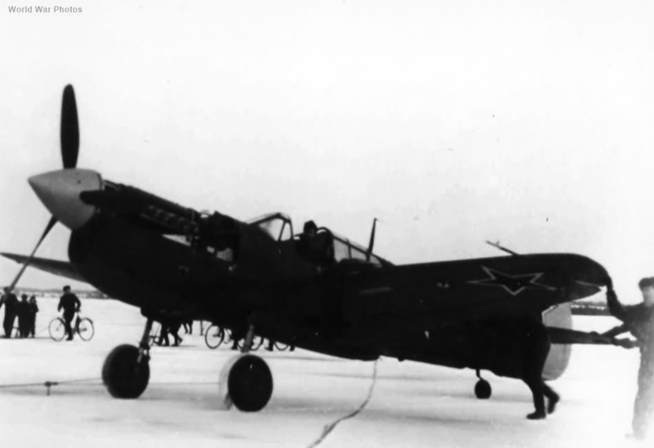 Russian P-40M White 23