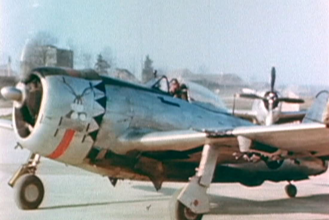 P-47_365th_Fighter_Group_1945_color_phot