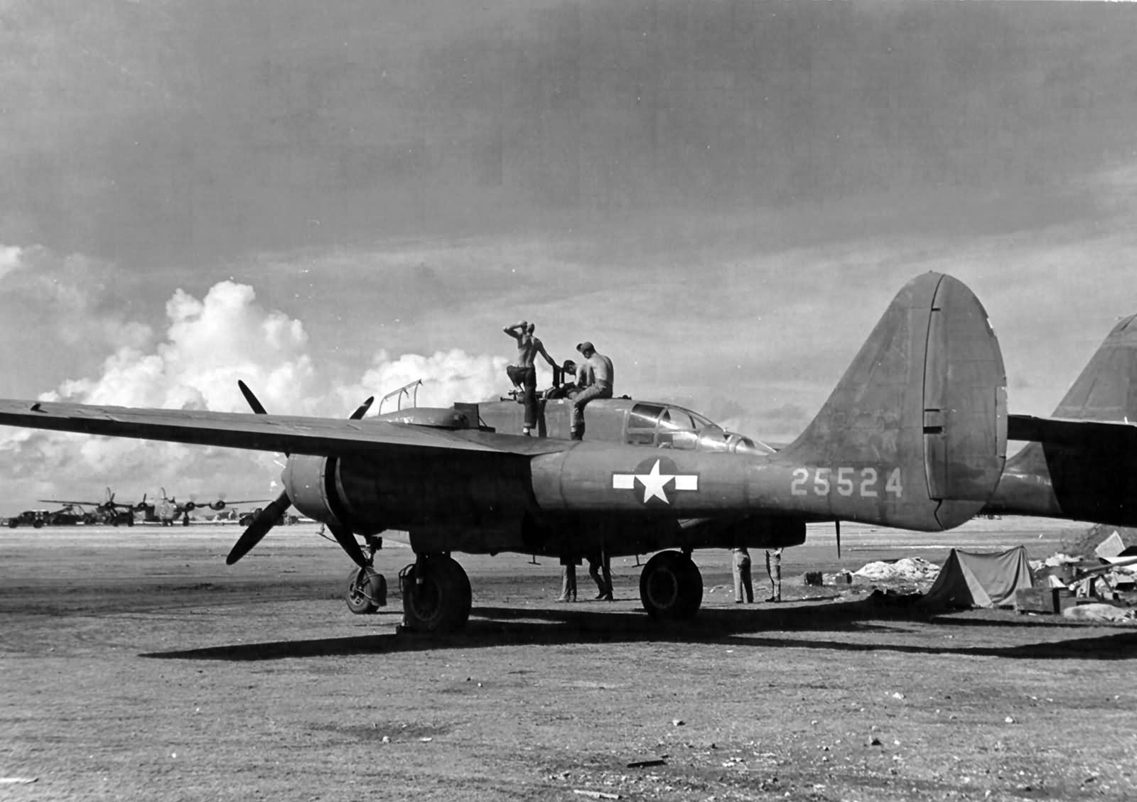 P-61A_42-5524_Midnight_Mickey_of_the_6th