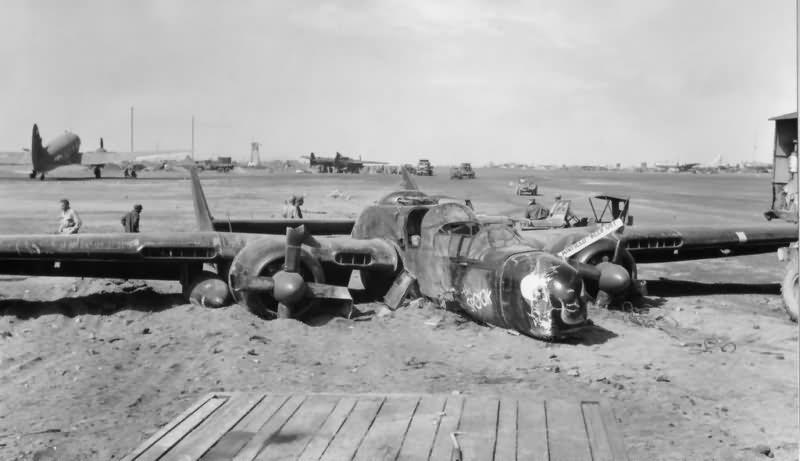 Northrop P-61B Black widow, Monogram, 1:48 P-61_Black_Widow_crash_Iwo_Jima