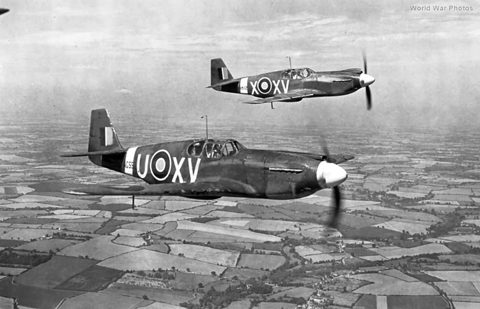 Mustangs AG550 XV-U and XV-X of No. 2 Squadron RAF